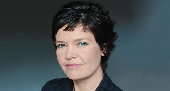 Kate Raworth ist an den Universitäten in Oxford und Cambridge als Wirtschaftswissenschaftlerin tätig