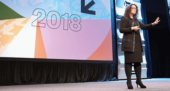 """Großer Auftritt: Amy Webb bei der Vorstellung des """"Tech Trends Report 2018"""" (Foto: Kaylin Balderrama)"""
