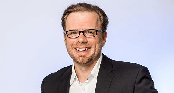 Christian Friedrich entwickelt als Bereichsleiter Digital Learning Solutions bei der Haufe Akademie innovative Lernformen und -lösungen. Dabei agiert er auch als Trainer sowie als Business- und Management-Coach