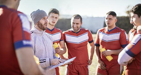 Einer für alle: Das Moderieren, Begleiten und Führen von Teams wird für künftige Führungskräfte noch wichtiger werden.