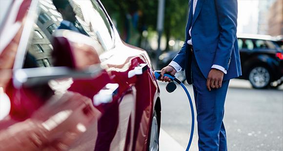 LeasePlan Deutschland hat jetzt auch Hybrid- und E-Fahrzeuge im Online-Leasingangebot