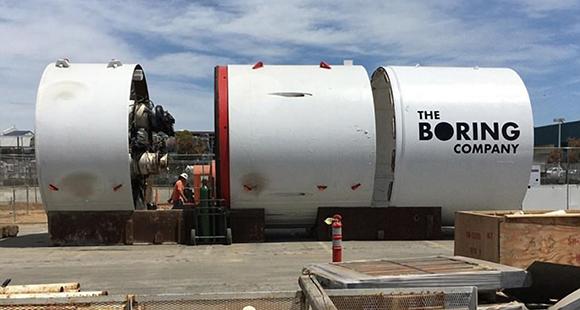 """Im Verborgenen: Mit """"Godot"""", einer 1.200 Tonnen schweren Maschine, bohrt Musks The Boring Company Tunnel für die Mobilität der Zukunft"""