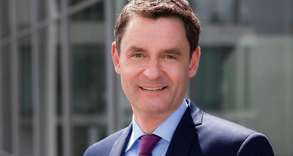 Wolfgang Dierker ist seit Oktober 2017 Vorsitzender der Geschäftsführung der GE Deutschland Holding. Zuvor leitete er die Berliner Vertretung des US-Konzerns und war für Hewlett-Packard und den Digitalverband Bitkom tätig.