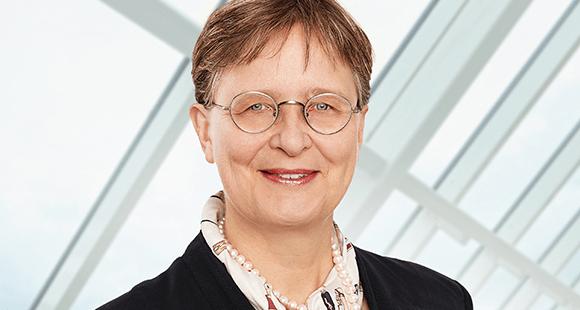 Dr. Henriette Meissner ist Generalbevollmächtigte für die bAV der Stuttgarter Lebensversicherung a.G. und Geschäftsführerin der Stuttgarter Vorsorge-Management GmbH