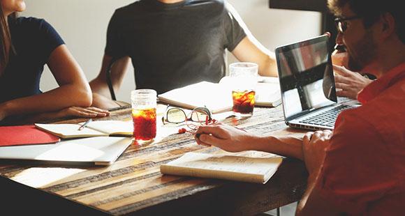 Inhouse-Schulungen für Unternehmen - Alle Vorteile auf einen Blick