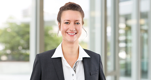 Janina Keuters ist Geschäftsführerin der FLS FertigungsLeitSysteme GmbH & Co. KG