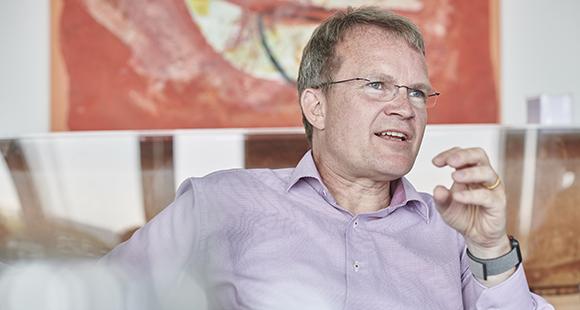 Jens Baas ist seit 2012 Vorstandsvorsitzender der Techniker Krankenkasse TK. Zuvor war der studierte Mediziner Berater bei der Boston Consulting Group und praktizierte an verschiedenen Universitätskliniken