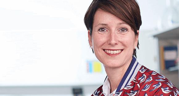 Dr. Katrin Sternberg ist Vorstandsmitglied Forschung und Entwicklung bei der Aesculap AG. Die Chemikerin ist seit August 2018 im Firmenvorstand und war damit die erste Frau im obersten Führungsgremium.