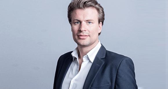 Dr. Alexander Hüttenbrink ist Mitgründer und Geschäftsführer von Kinexon Industries. Er studierte Wirtschaftsingenieurwesen am Karlsruher Institut für Technologie und promovierte an der TU München.