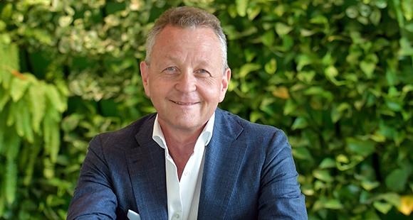 Professor Klaus Josef Lutz ist seit Juli 2008 Vorstandsvorsitzender der BayWa, deren Geschäfte sich auf die Segmente Agrar, Bau und Energie mit speziellem Fokus auf erneuerbare Energien erstrecken.
