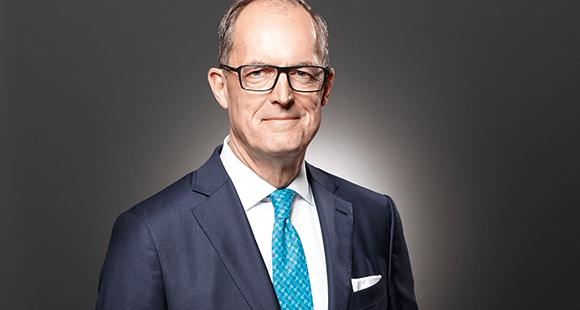 Gisbert Rühl ist seit November 2009 Vorstandsvorsitzender der Klöckner & Co SE. Aktuell treibt er mit voller Kraft die Digitalisierung von Klöckner & Co und der gesamten Stahlbranche voran.