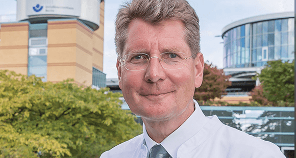 Professor Dr. Axel Ekkernkamp ist der Geschäftsführer und Ärztlicher Direktor des Unfallkrankenhauses Berlin