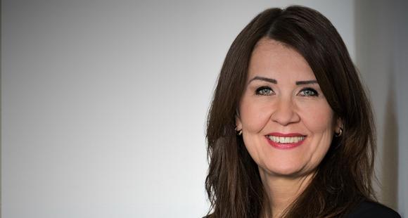Stefanie Kreusel ist seit 2001 bei T-Systems International tätig, wo sie Senior Vice President Partnermanagement und Corporate Development ist