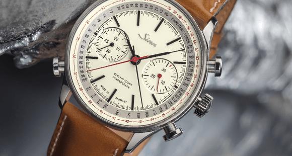 """Schaltrad-Chronograph mit Schleppanzeiger: Das Modell """"910 Jubiläum"""" ist auf 300 Stück limitiert."""