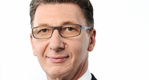 Ulrich Leitermann ist seit 2013 CEO der SIGNAL IDUNA Gruppe. Der Diplom-Kaufmann, Steuerberater und Wirtschaftsprüfer trat 1997 in den Vorstand der Dortmunder SIGNAL Versicherungen ein