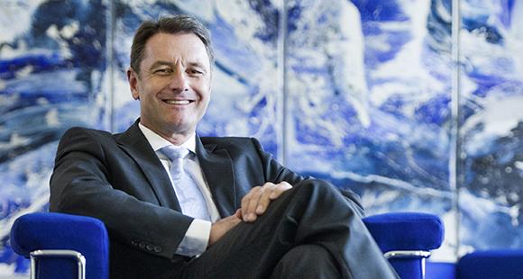 Dr. Werner Hitschler verantwortet unter anderem das strategische Marketing, den Energievertrieb und -handel