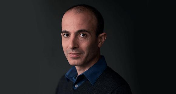 Yuval Noah Harari: wurde 1976 in Haifa/Israel, geboren. Er promovierte 2002 an der Oxford University. Aktuell lehrt er Geschichte an der Hebrew University in Jerusalem mit einem Schwerpunkt auf Weltgeschichte.