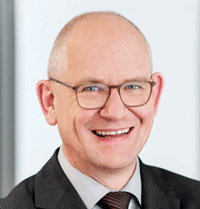 Dr. Dirk Stenkamp, Vorstandsvorsitzender der TÜV NORD GROUP, fordert IT-Readiness